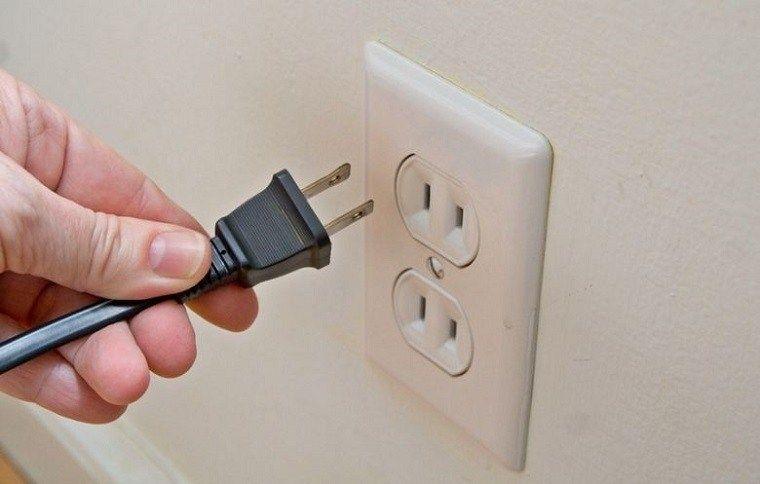 ổ cắm điện 2 lỗ 2 chấu