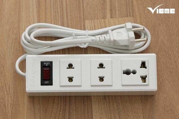 sự khác biệt của ổ cắm điện 2 chấu và 3 chấu